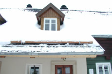 Ochrana proti posuvu a pádu sněhu ze střechy pomocí výrobků od HPI-CZ