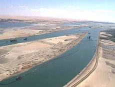 Na novém kanálu Suezského průplavu byl zahájen zkušební provoz