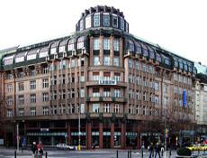 Výstava připomíná sté výročí vzniku domů u paláce Lucerna