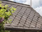 Jak vyměnit dosluhující eternit za novou ocelovou střechu