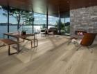 """Dřevěná podlaha s """"masivním"""" formátem a třemi barevnými variacemi z kolekce Kährs REAL"""