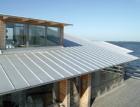 Dřevostavby v kombinaci se střechou z plechové krytiny