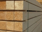 Roste poptávka po stavebním dřevu