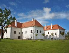 Rekonstrukce a dostavba zámku Valeč