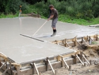 Betony řady Cemex Compacton s vyšší konzistencí snižují pracnost – šetří čas i náklady