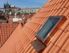 Inovované střešní okno Solara KLASIK pro prosvětlení podkroví v historických objektech