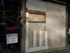 Svislé napojení mezibytové AKU stěny na monolitickou železobetonovou konstrukci s použitím těžkého asfaltového pásu z hlediska požární ochrany