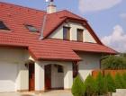 Střecha se skládanou krytinou je u Čechů ve velké oblibě. Za kvalitu a trvanlivost si neváhají připlatit