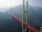 V Číně otevřeli pro dopravu nejvyšší most na světě