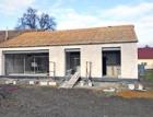 Pasivní rodinný dům z jednovrstvého zdiva a s termicky aktivovanou betonovou základovou deskou