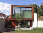 Dům v úžině – stavba, která šetří místem i energií