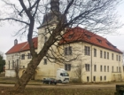 Návrh kombinace stavebních a dodatečných sanačních úprav v arcibiskupském zámku v Dolních Břežanech