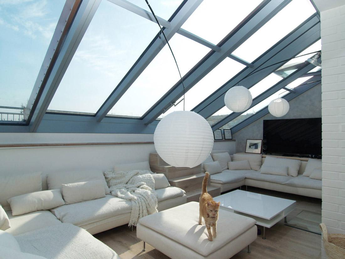 Velká posuvná okna Solara a dveře na střešní terasy a zahrady