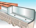 Štěrbinové odvodnění zpevněných ploch jako designový a funkční prvek