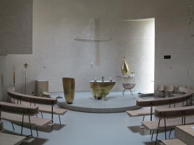Interiér kostela v Sazovicích