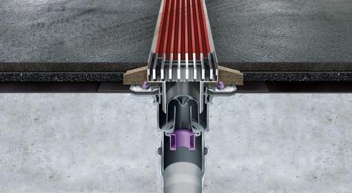 Instalace žlabu MEA PG EVO s vodotěsným detailem. Těsné a bezeschodové napojení na podlahu zjednodušuje spádování litých podlah.
