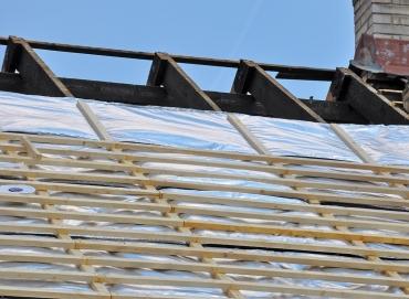 Obr. 10–13: Ukázka instalace bublinových termoreflexních izolací