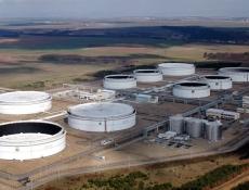 Mero ČR vybralo firmu, jež v Nelahozevsi postaví zásobník na ropu