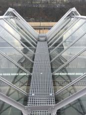 Protiskluzové kompozitní rošty MEA pro obsluhu střechy