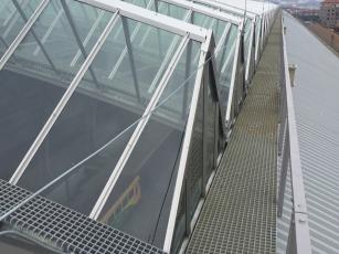 Kompozitní rošty MEA na obslužné lávce na střeše Hlavního nádraží v Praze