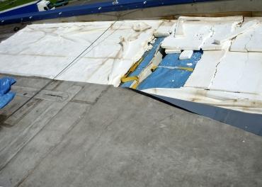 Obr. 3: Nevhodně použitý polystyren EPS 70 o malé tloušťce je zcela destruován dynamickými pohyby hydroizolace