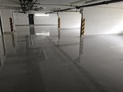 Obr. 9: Aplikace systému MC-Floor TopSpeed v parkovacím domě v Praze
