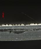 Obr. 23: Porušená vnější vrstva, která by měla být odolná proti UV záření
