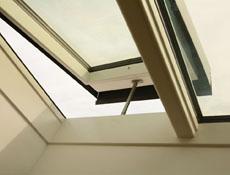 H1 – neviditelné automatické otvírače střešních oken