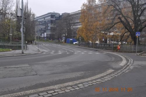 Obr. 20: První LED cyklopřejezd v ČR, Praha 8 – Elsnicovo náměstí