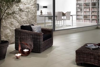 Podlahová série Unistone s optikou přírodního kamene nabízí glazované slinuté dlaždice v přírodních barvách ve formátu 60x60 cm, 30x60 cm a 33x33 cm