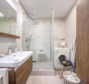"""Rektifikované obkládačky Casa 30x60 cm mají zajímavý """"melírovaný"""" design základní obkládačky. Sérii Casa nechybí smysl pro minimalismus a čistotu. Místnosti se díky barevnosti a formátu opticky zvětšují, interiér s touto sérií vhodně doplní jak přírodní materiály, tak i nápadité doplňky. Je ideální volbou nejen pro koupelny, ale i jako obklad pro kuchyně."""