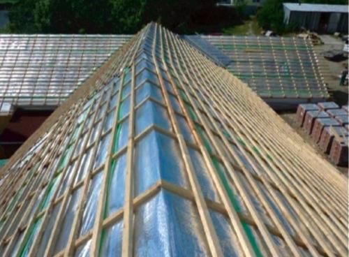 Dnes je nejčastěji Lupotherm používán na střechy