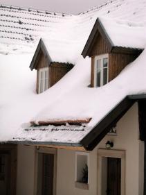 Sněhová zábrana s kulatinou