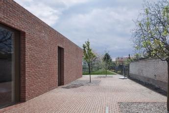 Dům v cihlové zahradě (Jan Proksa, Architekt, 2016)