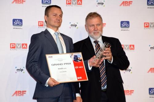 Přebírání ocenění Grand Prix For Arch 2017 za nejlepší výrobek