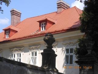 Pálená krytina Opál od firmy Bramac na střeše zámku v Teplicích nad Metují