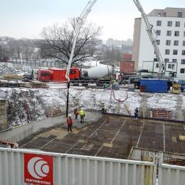 Obr. 1, 2: Zimní betonáž
