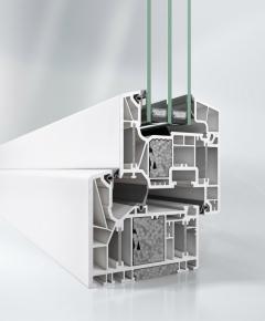 Okenní systém Schüco LivIng Alu Inside s patentovanou technologií hliníkové výztuhy – provedení s certifikací od Passive House Institut