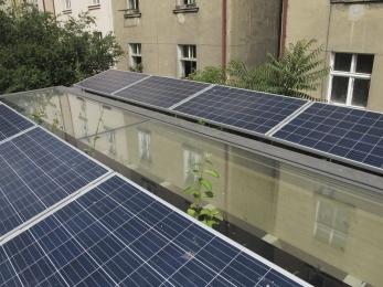 Fotovoltaické panely a světlík