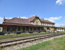 Konverze bývalé výpravní budovy nádraží ve Zbirohu
