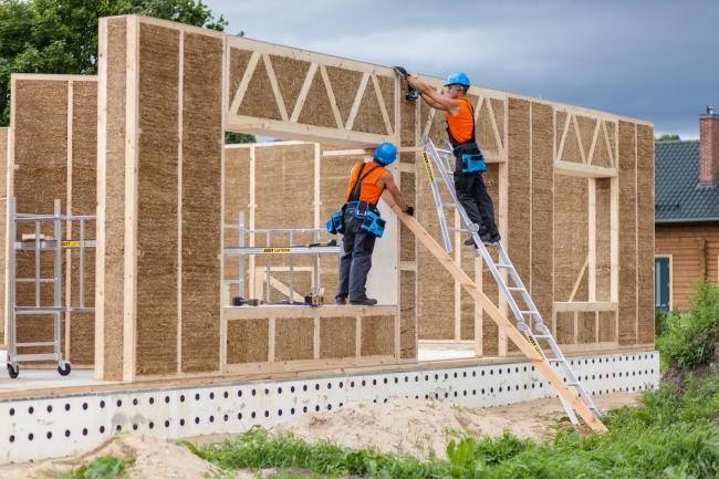 Seminář Jak navrhovat a stavět ze slaměných prefabrikátů a přehled o slaměném stavitelství, foto Ecococon