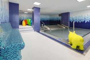 Rekonstruovaný bazén ve Vysokém Mýtě za použití obkladů RAKO