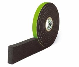 Páska Illmod 600 má vysokou hustotu a je obtížně vznětlivá. Komprimační pásku navíc překrývá silikon, takže při pohledu ze sálu není patrná.