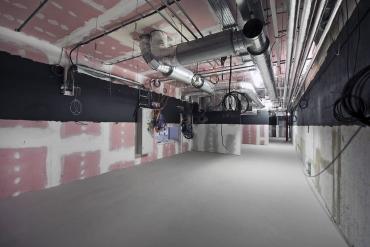Odhlučněná místnost pro instalaci promítacích kabin v kinosálech IGY Centra v Českých Budějovicích