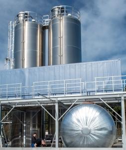 Společnost tremco illbruck otevřela nový závod na výrobu těsnicích a lepicích materiálů v bavorské pobočce společnosti ve městě Traunreut