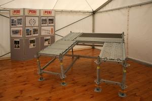PERI představilo nový systém fasádního lešení PERI UP Easy
