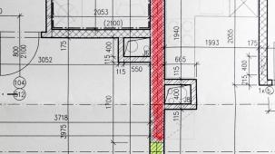 Obr. 9: Instalační šachta u AKU stěny