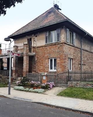 Obr. 5: Rodinný dům, Kotěrova kolonie, Louny