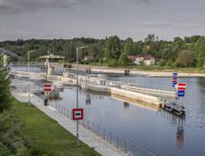 Plavební komora vodního díla Hněvkovice