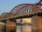 Železničnímu mostu pod Vyšehradem hrozí kvůli korozi demolice